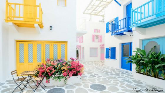 Colour houses